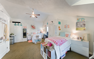 Triple Dorm Room Ivy House University Of Florida